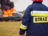 Pożar samochodu, straż, strażak
