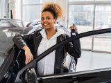 Radość z zakupu nowego samochodu